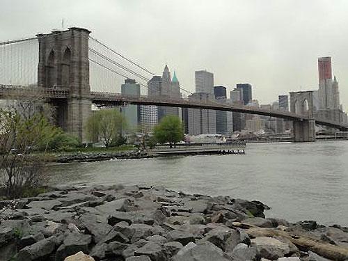Nach einem Spaziergang entlang des East River... (Foto: Sören Peters)