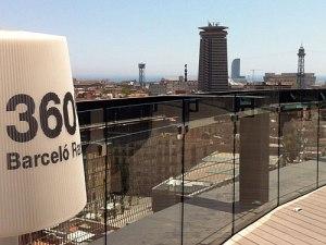 Von der Dachterrasse des schicken Barceló Raval lässt sich die komplette Stadt überblicken. (Foto: Sören Peters)