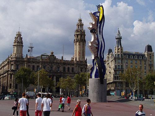 ...an der Miró-Skulptur vorbei... (Foto: Sören Peters)