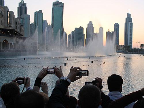 Besucher aus der ganzen Welt wollen sich das Spektakel nicht entgehen lassen. (Foto: Sören Peters)