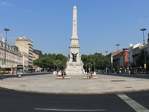 Zum Abschluss die Praça dos Restauradores, die ein Bildeglied zwischen der Baixa und der mondänen Avenida da Liberdade darstellt. (Foto: Sören Peters)
