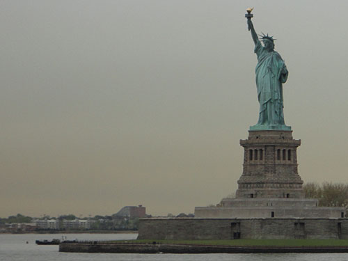 Den Blick auf die Freiheitsstatue gibt es gleich noch dazu. (Foto: Sören Peters)