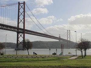 Ponte 25 de Abril und Cristo Rei. (Foto: Sören Peters)