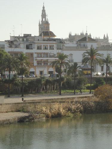 Blick über den Guadalquivir auf die Stadt. (Foto: spe)