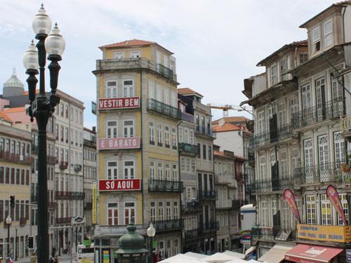 Stadtansicht, aufgenommen an der Station São Bento. (Foto: spe)