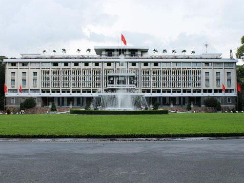 Bis zum Ende des Vietnamkrieges 1975 war der Unabhängigkeitspalast der Sitz des südvietnamesischen Präsidenten. Nachdem hier das Ende des Krieges besiegelt wurde, erfolgte die Umbenennung in Wiedervereinigungspalast. (Foto: spe)
