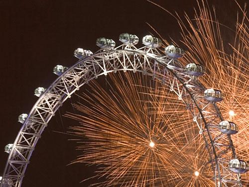 Feuerwerk am London Eye. (Foto: Visit London Images / Britain on view)