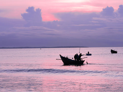 Sonnenaufgang am Strand. (Foto: spe)