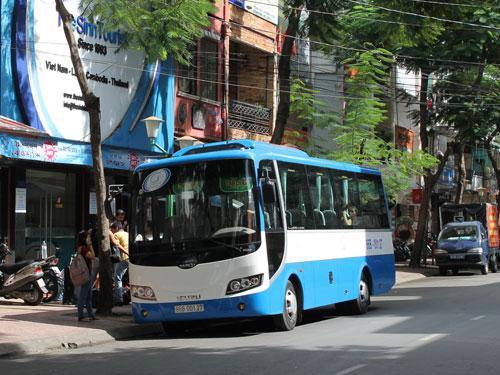 Büro und Busabfahrt von The Sinh Tourist an der De-Tham-Street in Ho-Chi-Minh-Stadt. (Foto: spe)