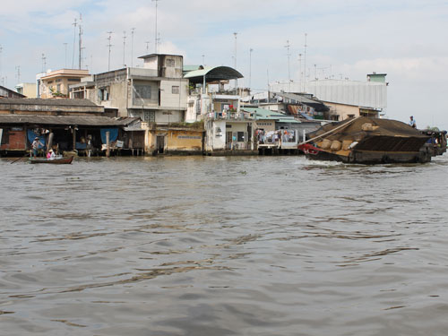 121227_CaiBe_FloatingMarket_Boote_500x375_spe