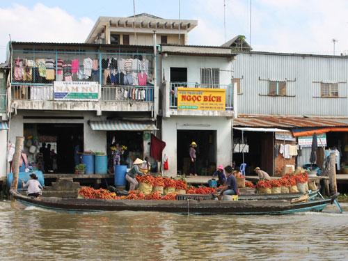 Auf dem schwimmenden Markt in Cai Be. (Foto: spe)