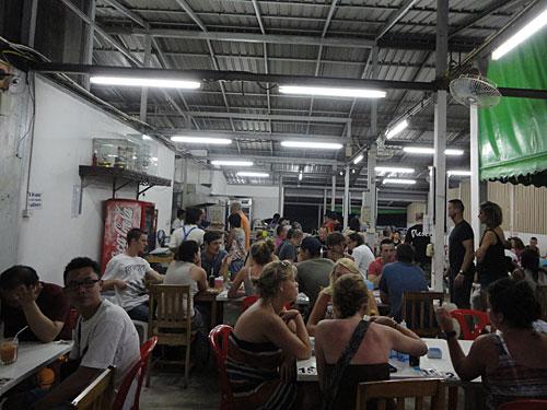 Ein Beweis dafür ist das Restaurant Ninja an der Hauptstraße in Chaweng, gegenüber des Buri Rasa Resorts. (Foto: spe)