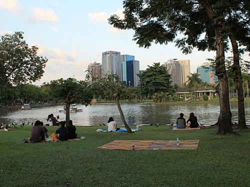 Nach einem Bummel kann man es sich im Chatuchak-Park gemütlich machen. (Foto: Sören Peters)