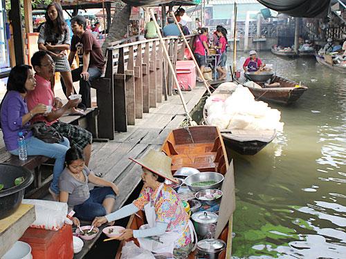 Marktszene in Taling Chan. (Foto: Sören Peters)