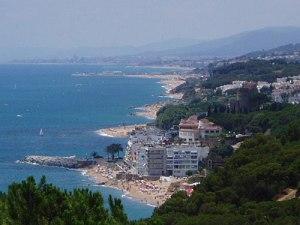 Ruhiger als an der Barceloneta geht es an den Stränden in den Vororten zu. (Foto: spe)