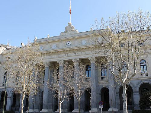 Auf dem Rückweg zur Plaza de Cibeles kommen wir noch an der Börse vorbei. (Foto: spe)