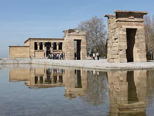Nicht weit von der Plaza de España entfernt: Der Templo de Debod, ein ägyptischer Tempel. (Foto: spe)