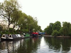 Little Venice: Von hier geht es per Boot über den Regent's Canal, am Zoo vorbei, zum Camden Lock. (Foto: spe)