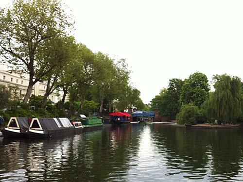 Little Venice: Von hier geht es per Boot über den Regent's Canal, am Zoo vorbei, nach Camden. (Foto: spe)