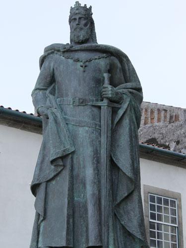Statue von Dom Sancho I., zweiter König Portugals. (Foto: spe)