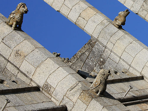 Fabelwesen als Wächter an der Kathedrale. (Foto: spe)
