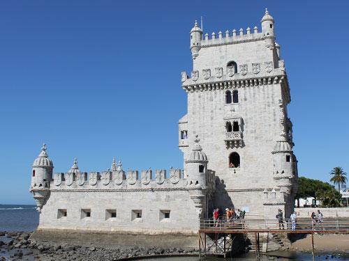 Seit je her zieht der Torre de Belém Besucher an. Wie das Kloster gehört er seit 1983 zum Unesco-Weltkulturerbe. (Foto: Sören Peters)