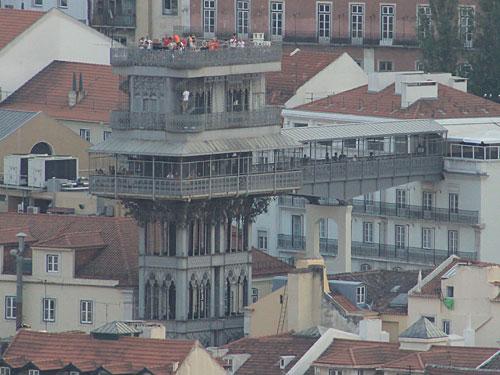Der Elevador de Santa Justa aus ungewohnter Perspektive. (Foto: Sören Peters)