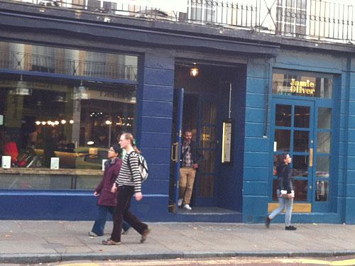 Eine der Londoner Jamie-Filialen. Der britische Star-Koch hat längst expandiert, etwa nach Dubai oder Singapur. (Foto: Sören Peters)