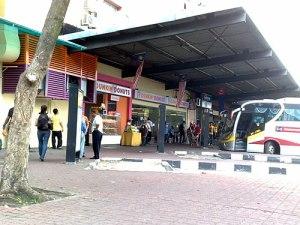 """Von Singapur aus wird der Busbahnhof Larkin bei Johor Bahru angesteuert. Von hier aus geht es übrigens auch auf dem Landweg nach Kuala Lumpur weiter. (Foto: <a href=""""http://www.flickr.com/photos/_yuki_k_/5011119420/"""">_Yuki_K_</a> via <a href=""""http://photopin.com"""">photopin</a> <a href=""""http://creativecommons.org/licenses/by/2.0/"""">cc</a>)"""