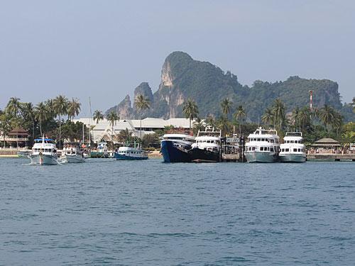 Bis vor einem schließlich wieder die Hauptinsel aus dem Wasser ragt. (Foto: Sören Peters)