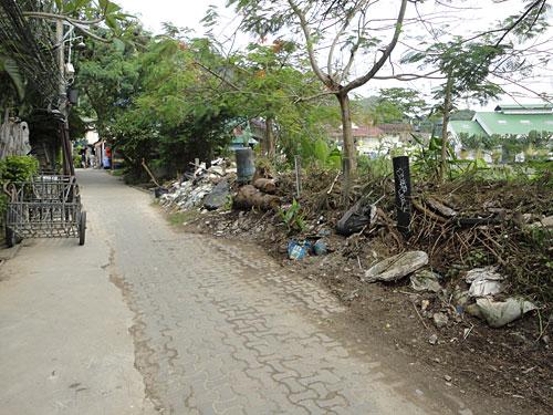 Schmuddelecke etwas abseits der Ho(s)tels. Warum von jedem Besucher 20 Baht zum Sauberhalten der Insel kassiert werden, ist kaum ersichtlich. (Foto: Sören Peters)