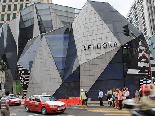 Moderne Einkaufszentren locken Fashionvictims. (Foto: Sören Peters)