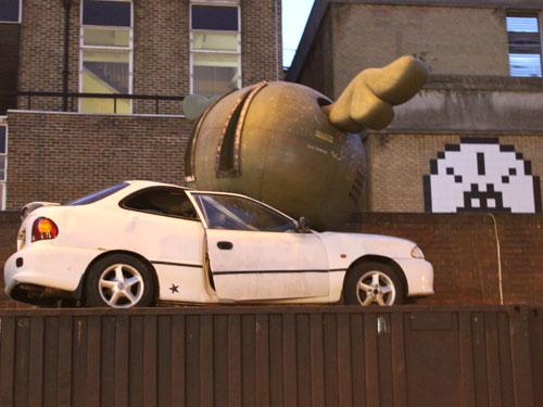 Straßenkunst in einem Hinterhof der Brick Lane. (Foto: Sören Peters)