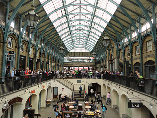Ein Stück weiter ostwärts befinden sich die Markthallen des Covent Garden. (Foto: Sören Peters)