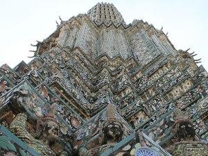 Aufwändige Verzierung am Wat Arun. (Foto: Sören Peters)