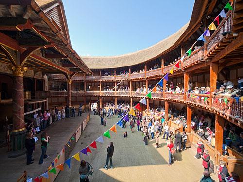Innenansicht: Nachbau von Shakespeares Globe Theatre in London. (Foto: Pawel Libera / LondonOnView)