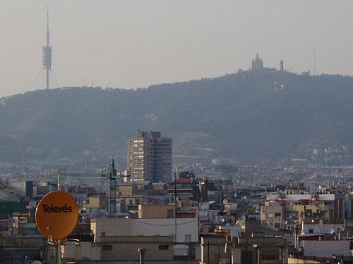 Barcelonas weithin sichtbare Landmarke: Der Torre de Collserola (l.). (Foto: Sören Peters)