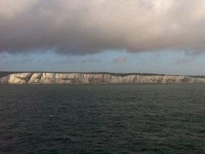 Die White Cliffs of Dover begrüßen seit jeher Besucher und Ivasoren. (Foto: Sören Peters)