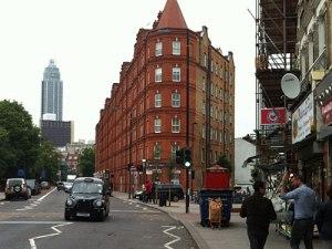 Straßenszene an der South Lambeth Road. (Foto: Sören Peters)