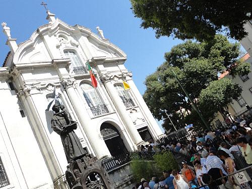Kurz nach der Prozession an der Igreja de Santo António de Lisboa. (Foto: Sören Peters)