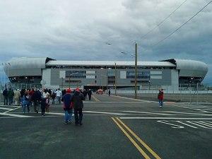 Mitten im Nirgendwo liegt die RedBull-Arena. Immerhin ist der Bahnhof Harrison fußläufig zu erreichen. (Foto: Sören Peters)