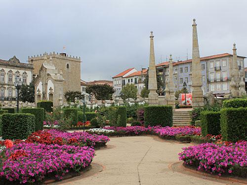 In unmittelbarer Nachbarschaft laden die barocken Gärten zum Spazieren ein. (Foto: Sören Peters)