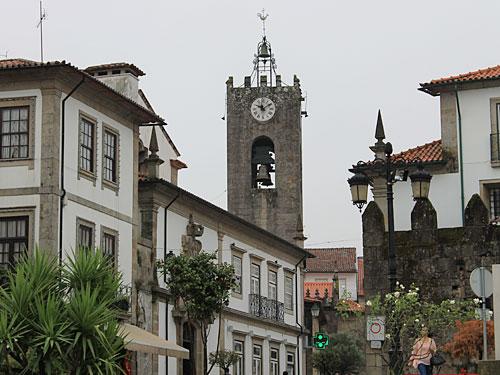 Dominant ist dabei der Turm der Igreja Matriz. (Foto: Sören Peters)