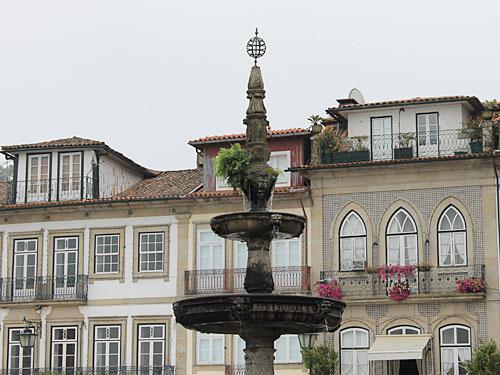 Vorbei am Largo de Camões... (Foto: Sören Peters)