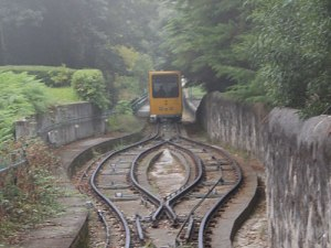 Für drei Euro (Hin- und Rückfahrt) kann man mit der Seilbahn zwischen Stadt und Santa Luzia pendeln. (Foto: Sören Peters)
