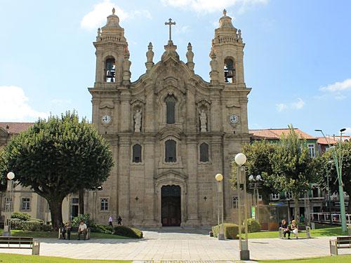Gleich an der Praça da República befindet sich die Igreja Dos Congregados. (Foto: Sören Peters)