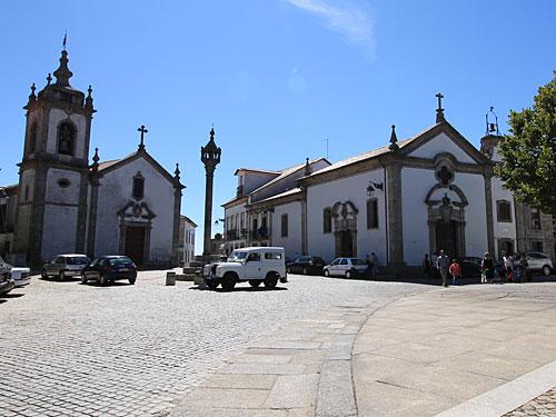 Zentraler Platz mit Santa Casa Da Misericórdia De Trancoso. (Foto: Sören Peters)