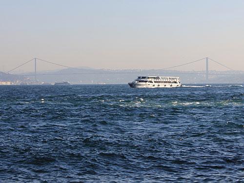 Bosporus-Panorama: Links europa, rechts Asien. (Foto: Sören Peters)