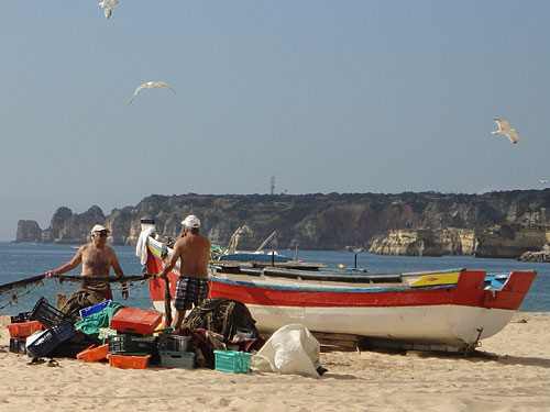 Fischer an der Meia Praia. (Foto: Sören Peters)