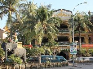 Das Nobelhotel Terrasse des Elephants in der Old Market Area. (Foto: Sören Peters)